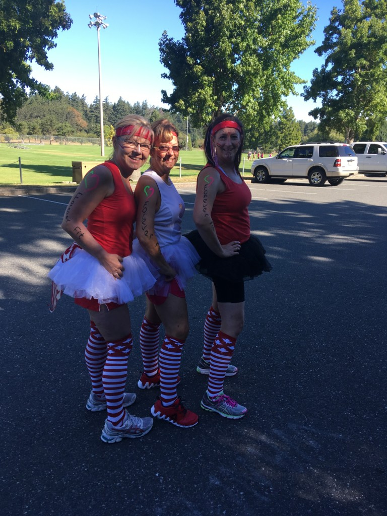 Woman2Warror Event in Victoria. Forever Fit warrios ready to take on the obstical challenges. Foreverfit, Duncan,B.C.